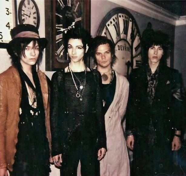 Alternative Rock Female Singers 2012: PALAYE ROYALE Is Truly One Of The Best Indie Rock Bands
